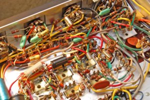 Basic principles of PCB assembly: Through-Hole vs Surface